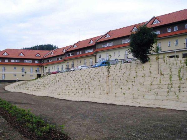 "Netkaná JUTOVÁ textília ""filc"" 300 g/m², 2 m x 50 m, bio-rozložiteľná"